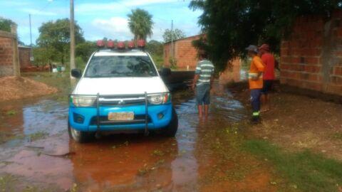 PMA de Miranda e Defesa Civil trabalham no resgate de famílias atingidas por enchentes