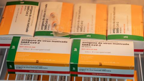 São Gabriel do Oeste recebe a Coronavac e imunizará 201 profissionais da saúde