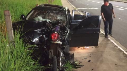 Bêbado, condutor sem CNH em BMW mata motoqueira após furar sinal