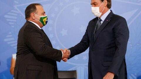 Submisso a Bolsonaro, Pazuello pode ter cometido crimes contra a Saúde