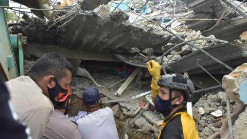 Terremoto mata 34 pessoas e deixa centenas de feridos na Indonésia