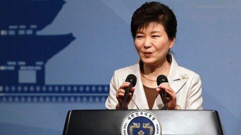 Ex-presidente da Coreia do Sul é condenada a 22 anos de prisão por corrupção