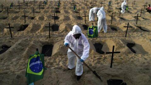Enquanto vírus recua no mundo, mortes e infectados crescem no Brasil