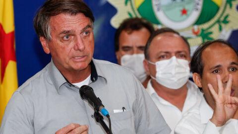 """Questionado sobre STJ livrar """"Zero um"""" das rachadinhas, irritado, Bolsonaro encerra coletiva"""