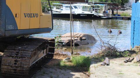 Corpo de empresário desaparecido há 1 mês é achado dentro de carro submerso em rio