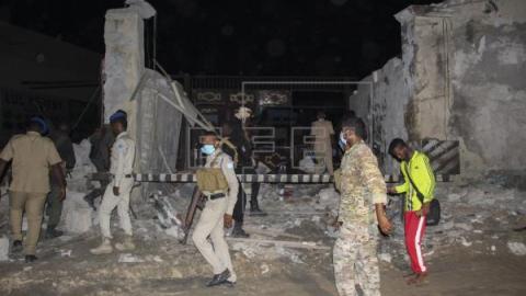 Ataque terrorista em restaurante na Somália deixa ao menos 25 mortos