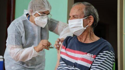 Semana de vacinação começa hoje para idosos com mais de 90 anos