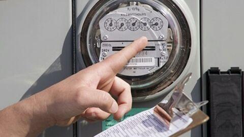 Serasa aponta recorde na falta de pagamento de água e luz em dezembro