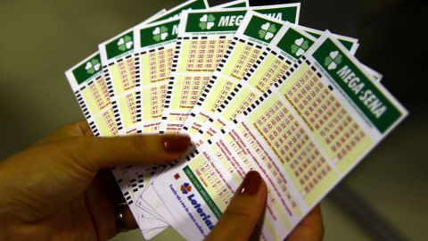 Sorteio da Mega-Sena acumula neste sábado, mas 40 pessoas levam R$ 64 mil
