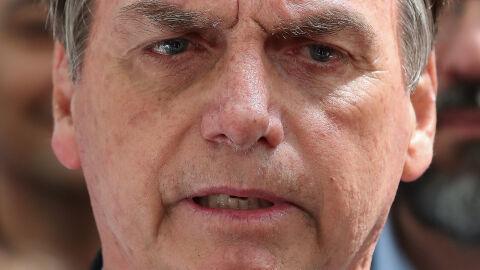 'Vão ficar chorando até quando?', diz presidente do Brasil sobre mortes da pandemia