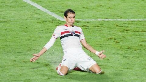 São Paulo atropela o Santos: 4 a 0 e lidera Grupo B do Campeonato Paulista