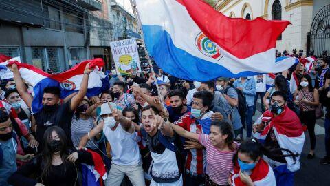 Protestos diários no país são consequência da má gestão durante pandemia