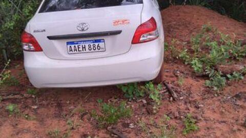Polícia do Paraguai acha Toyota Belta usado por executores de pecuarista brasileiro