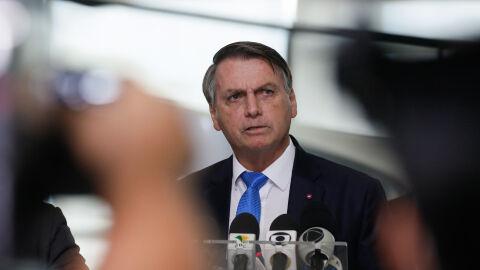 Estudos dizem que desigualdade social e Bolsonaro agravaram pandemia no país