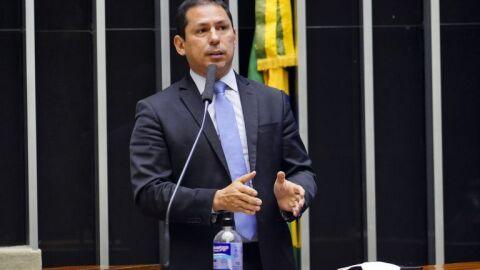 Projeto limita atuação do Executivo ao alterar o Imposto de Importação