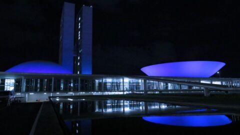 Congresso tem iluminação azul em campanha de conscientização sobre o autismo