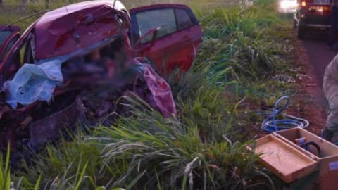 Acidente: João, de 19 anos, morre preso às ferragens e Thalisson é resgatado em estado grave