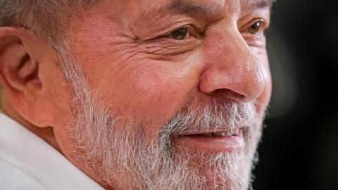 Lula vence Bolsonaro com 40% das intenções de votos, diz pesquisa