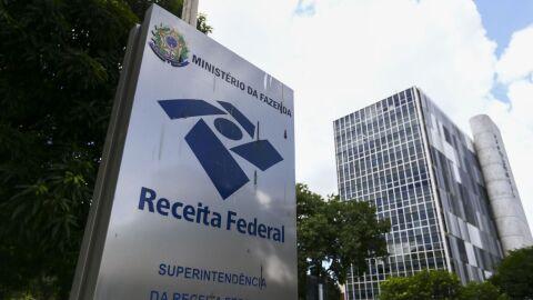 Receita adia para 31 de maio entrega de declaração de Imposto de Renda