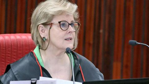 Rosa Weber, do STF, suspende partes de decretos de Bolsonaro sobre armas