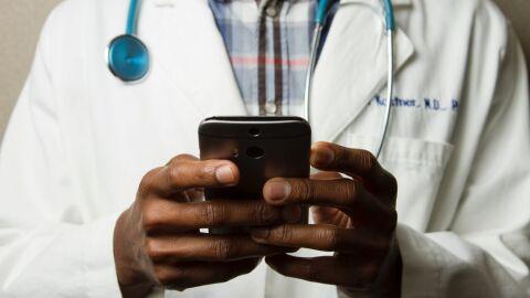 Hackers querem roubar dados sobre a sua saúde; saiba por que e se proteja