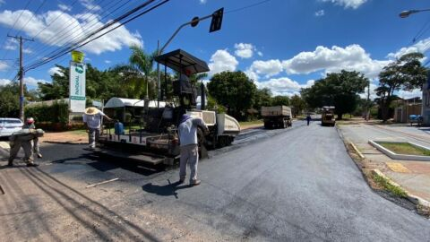 Prefeitura inicia frente de 8 km de recapeamento no Monte Castelo, Coronel Antonino e Seminário