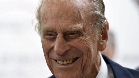 Com disparos de artilharia e flores, Reino Unido saúda príncipe Philip