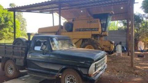 Polícia Civil recupera camionete e apreende máquinas e implementos agrícola