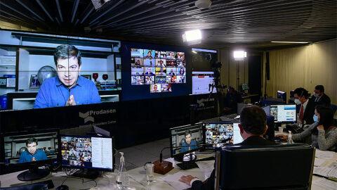 Senadores repudiam ataques de Bolsonaro a Randolfe Rodrigues