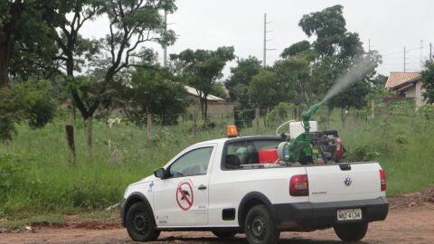 Reforço no combate ao Aedes, fumacê circula por nove bairros. Confira o itinerário: