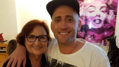 Regina Casé posta vídeo de mãe de Paulo Gustavo cantando no 'Esquenta'