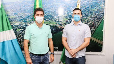 Prefeito recebe visita do novo Delegado Titular de Maracaju
