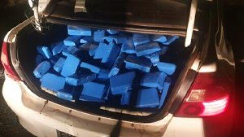 Homem é preso durante a madrugada tentando transportar 500kg de drogas para Minas Gerais