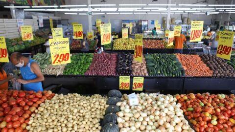 Batata e cebola lideram a queda de preços na cesta básica; veja a lista