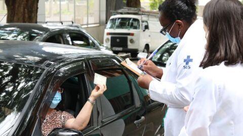 SP abre vacinação dos profissionais de saúde a partir de 47 anos