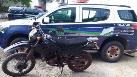Polícia Militar de Corumbá recupera motocicleta furtada no bairro Guanã