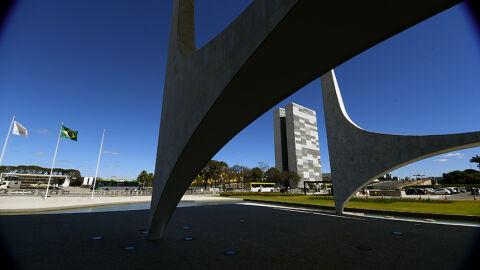 Bolsonaro sanciona Orçamento com corte de R$ 19,8 bi e bloqueio de R$ 9 bi