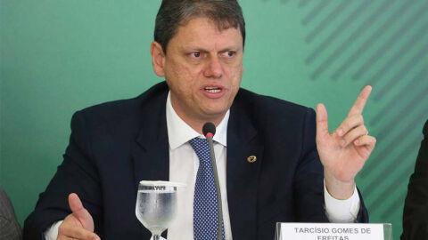 """""""No projeto envolvendo as rodovias do Paraná não existe taxa de outorga"""""""