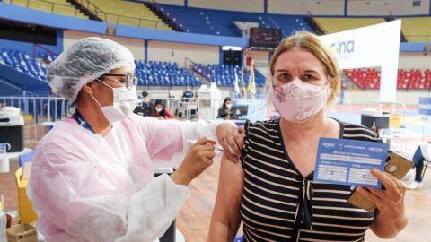 Prefeitura altera calendário e incluí novo público para vacinação contra a Covid-19