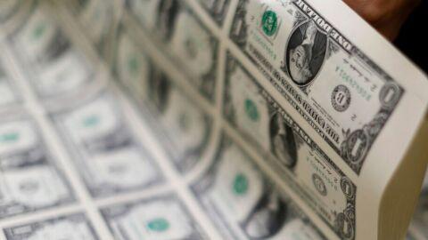 Dólar cai para R$ 5,36 à espera de aumento na taxa Selic