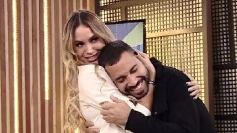 Gilberto conta que está pensando em morar com Sarah