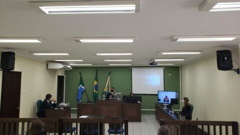 Réu é condenado a 12 anos de reclusão por feminicídio em Costa Rica