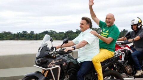 Bolsonaro comete duas infrações gravíssimas em passeio de motocicleta