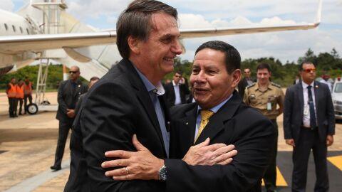 Medida do ministério da Economia libera 'aumento' a Bolsonaro e Mourão