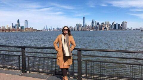 """Mãe se aventura em viagens pelo mundo após os 50 anos: """"É uma terapia"""""""