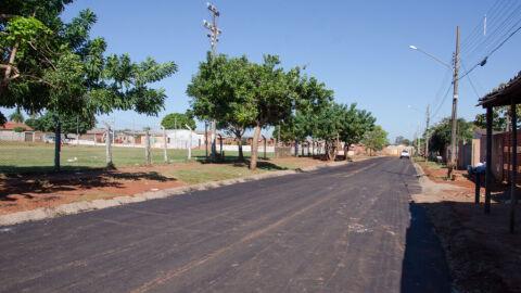 Prefeitura recupera recurso de 2012 e inicia asfalto no Campo Nobre