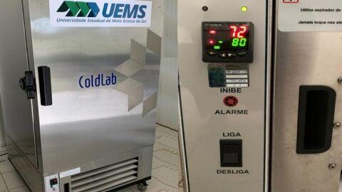 UEMS faz empréstimo de ultrafreezer a SES/MS para logística de vacinas