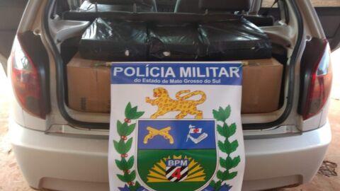 Após denúncia Polícia Militar apreende contrabando de cigarros em veículo