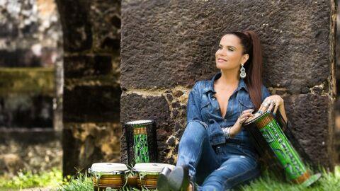 """Gilmelândia assume lugar de Thaeme no júri do reality show """"Revelações Brasil"""""""