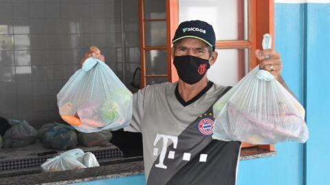 Prefeitura inicia distribuição de kits hortifrúti para alunos da Reme
